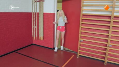 Brugklas | Knapste meisje van de klas