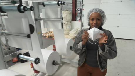 Hoe wordt een mondkapje gemaakt?