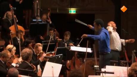Metropole Orkest & Paul de Leeuw & Johannes
