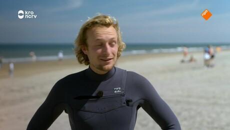 Kan klaas 10 seconden staand op een golf surfen zonder de zee?