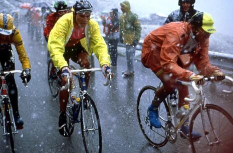 13mei_Erik_Breukink_en_Laurent_Fignon_in_de_fatale_etappe_in_1989_