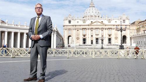 In de ban van de paus