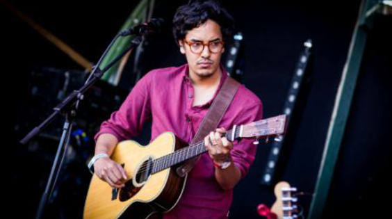 Afbeelding van Luke Sital Singh live op Into The Great Wide Open 2013