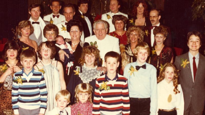 Het Familiediner (afl.11): Bert van Leeuwen bemiddelt in familieruzies