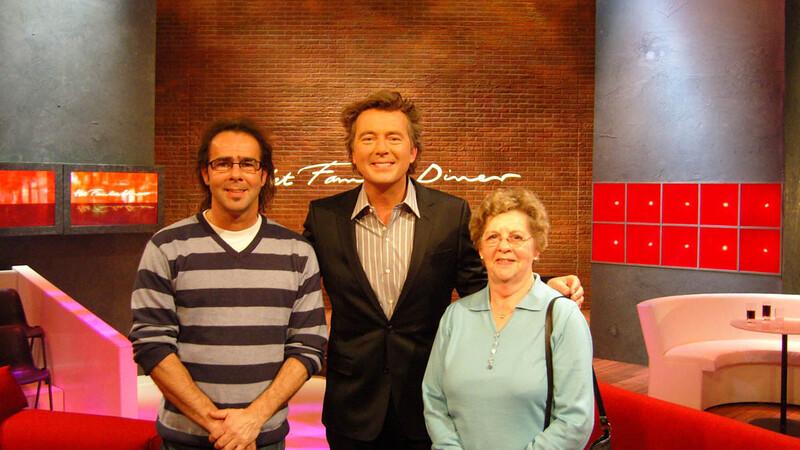 Het Familiediner (afl. 6: Joke & Julia en Theo & Marc)