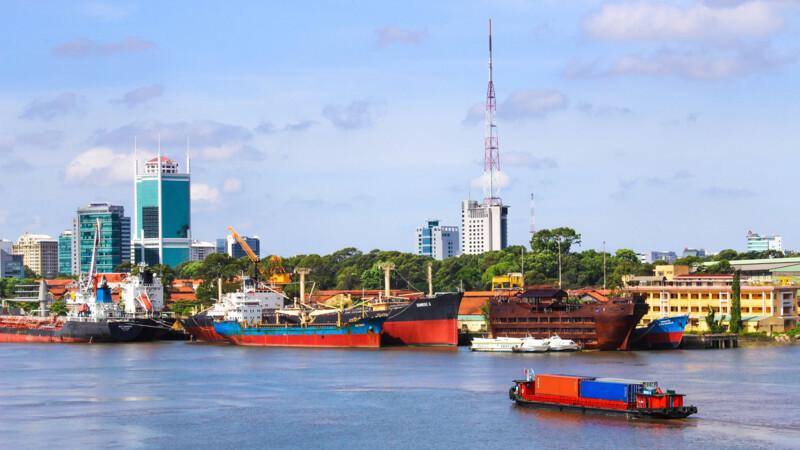 Vietnam: Saigon-Nha, Trang-Hoi, An-Hue-Hanoi
