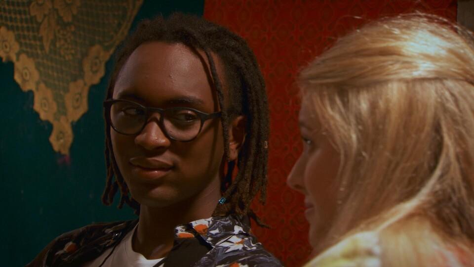 Screenshot van aflevering: Sukkel in de liefde