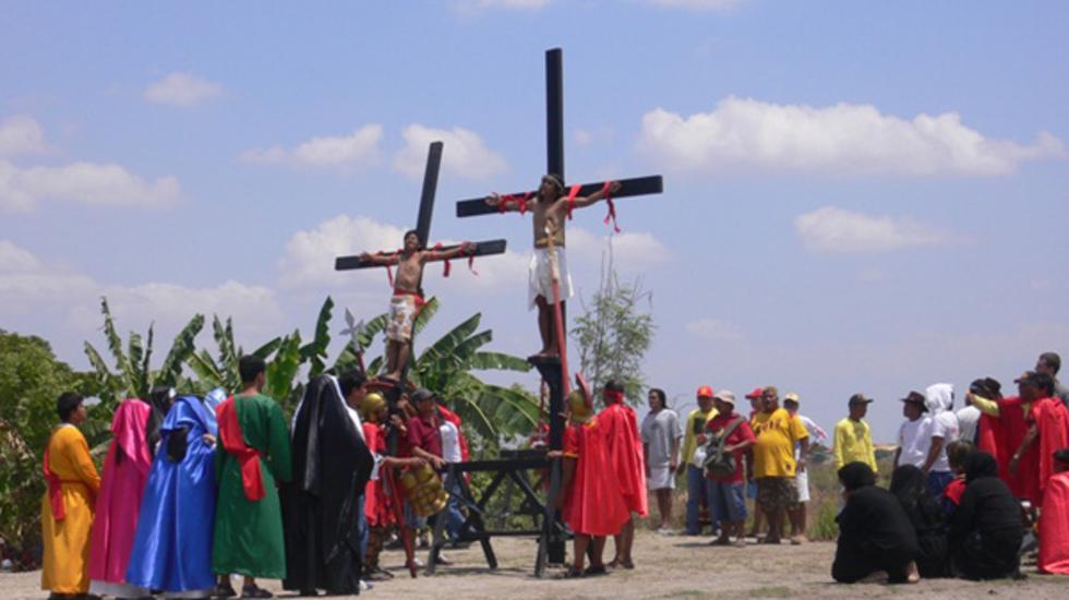 Holy Shit - Vrijwillige Kruisiging In De Fillipijnen