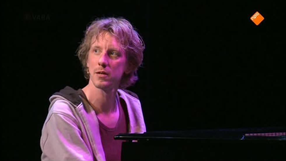 Cabaret Bij De Vara - Humortv Op 3 Presenteert: Jasper Van Kuijk
