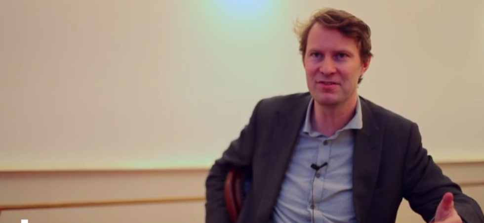 Interview Luke Harding over De Snowden Files