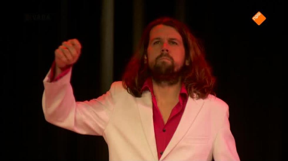 Cabaret Bij De Vara - Thijs Van Domburg: Van Nare Mensen En De Dingen Die Kapot Gaan