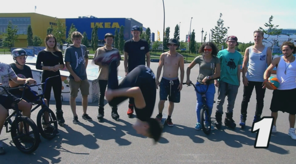 Afbeelding van Challenge #3 - Around the World vs. Backflip