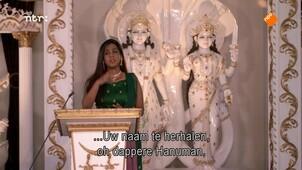 Hindoes bidden voor verlichting