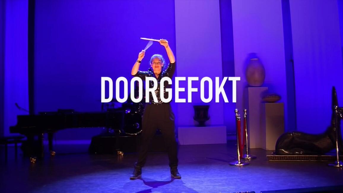 Sara Kroos - Seizoen 1 Afl. 1 - Doorgefokt